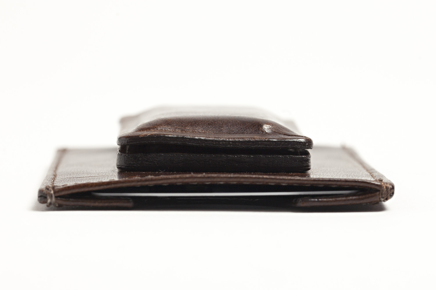 FAQ: Will the magnets on some wallets demagnetize my credit